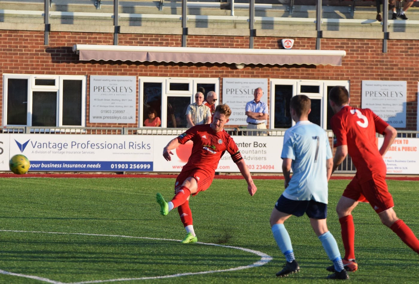 Read the full article - Gallery: Worthing United | Friendly
