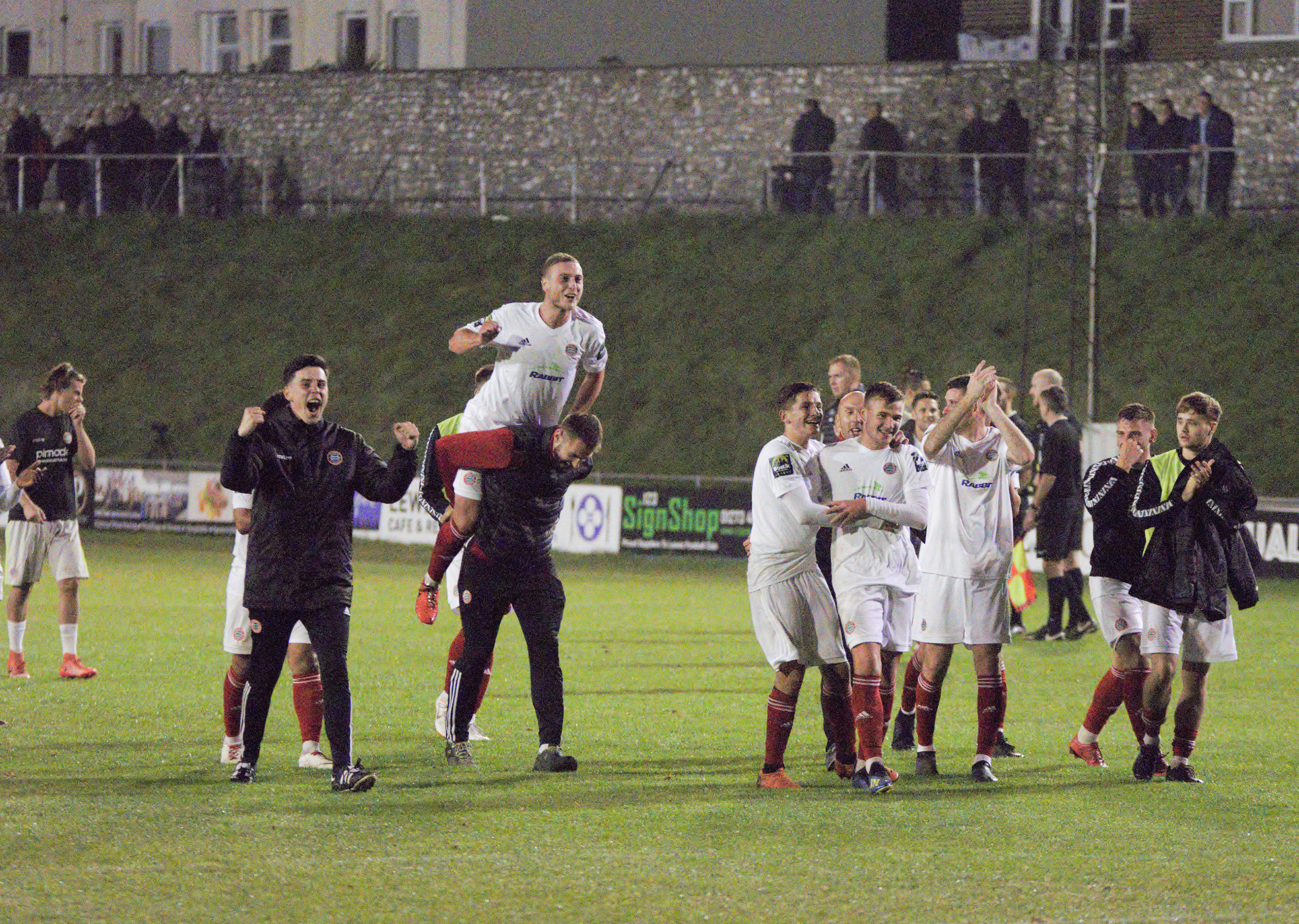 Read the full article - HIGHLIGHTS: Lewes 3-4 Worthing [A] – League