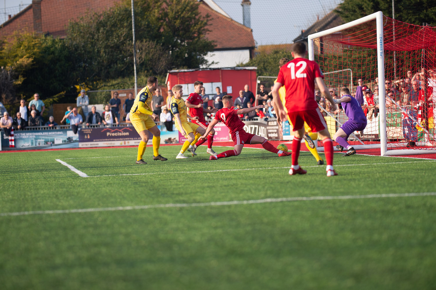 Read the full article - Pitchside at Woodside   AFC Hornchurch [H]