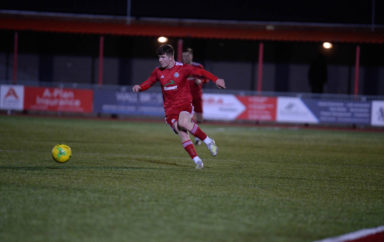 Worthing return to winning ways with victory over Sussex rivals