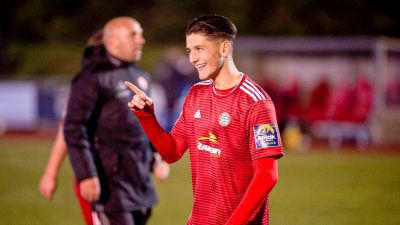 Read the full article - Ricky Signs For Swindon Town